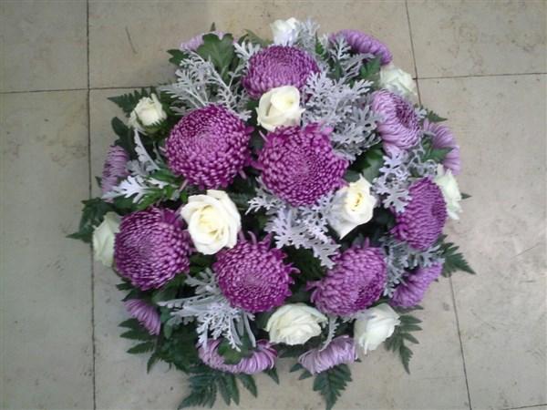 Fleurissement de tombe à la Toussaint