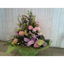 composition de plantes avec piqué de fleurs 3